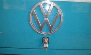 1505559668505-1971-Volkswagen-T2-Camper-Van-Dormobile_18