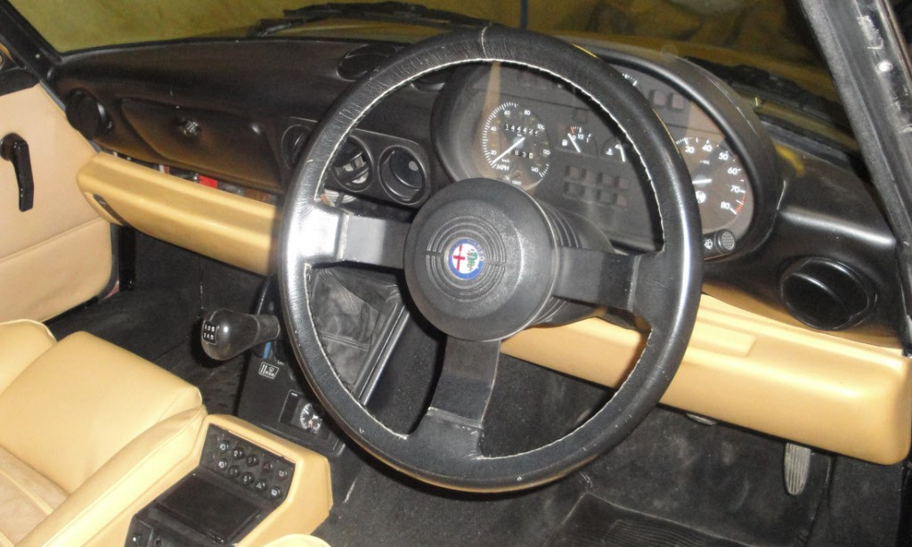 berlinetta-auctions-alfa-romeo-spyder-series-4_0012_Layer 22