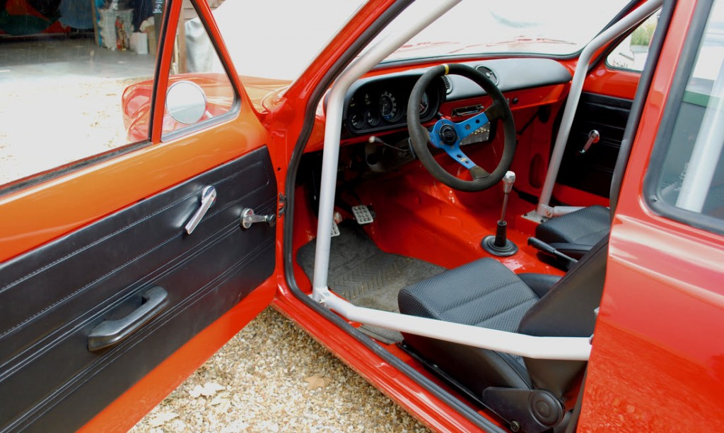 1539427025284-1972-Ford-Escort-RS-1600_11