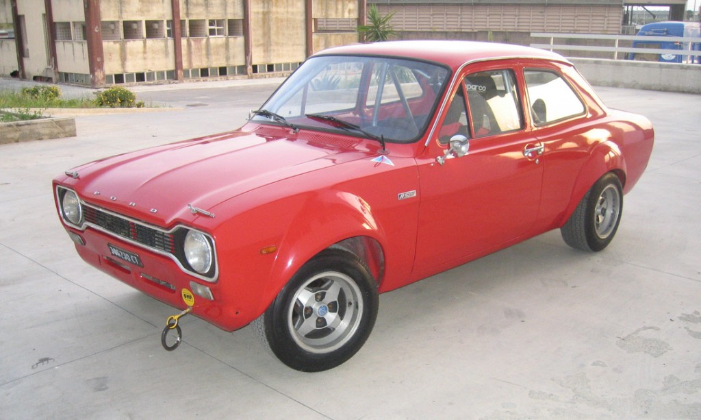 1539427128338-1972-Ford-Escort-RS-1600_32