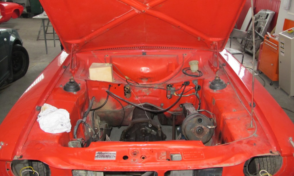 1539427128338-1972-Ford-Escort-RS-1600_33