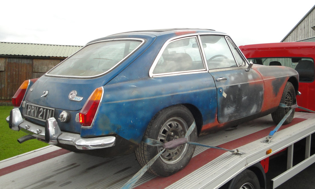 Lot 27 - 1974 MGB GT V8 Project SOLD for £10,450