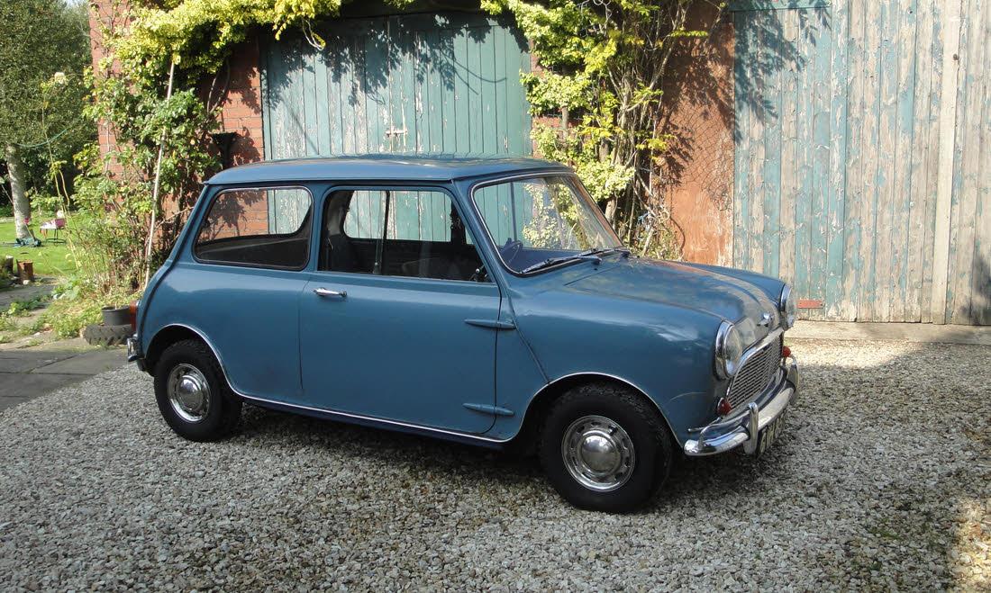 LOT 126 - 1967 Morris Mini-Minor Super Deluxe Automatic  SOLD for £8,500